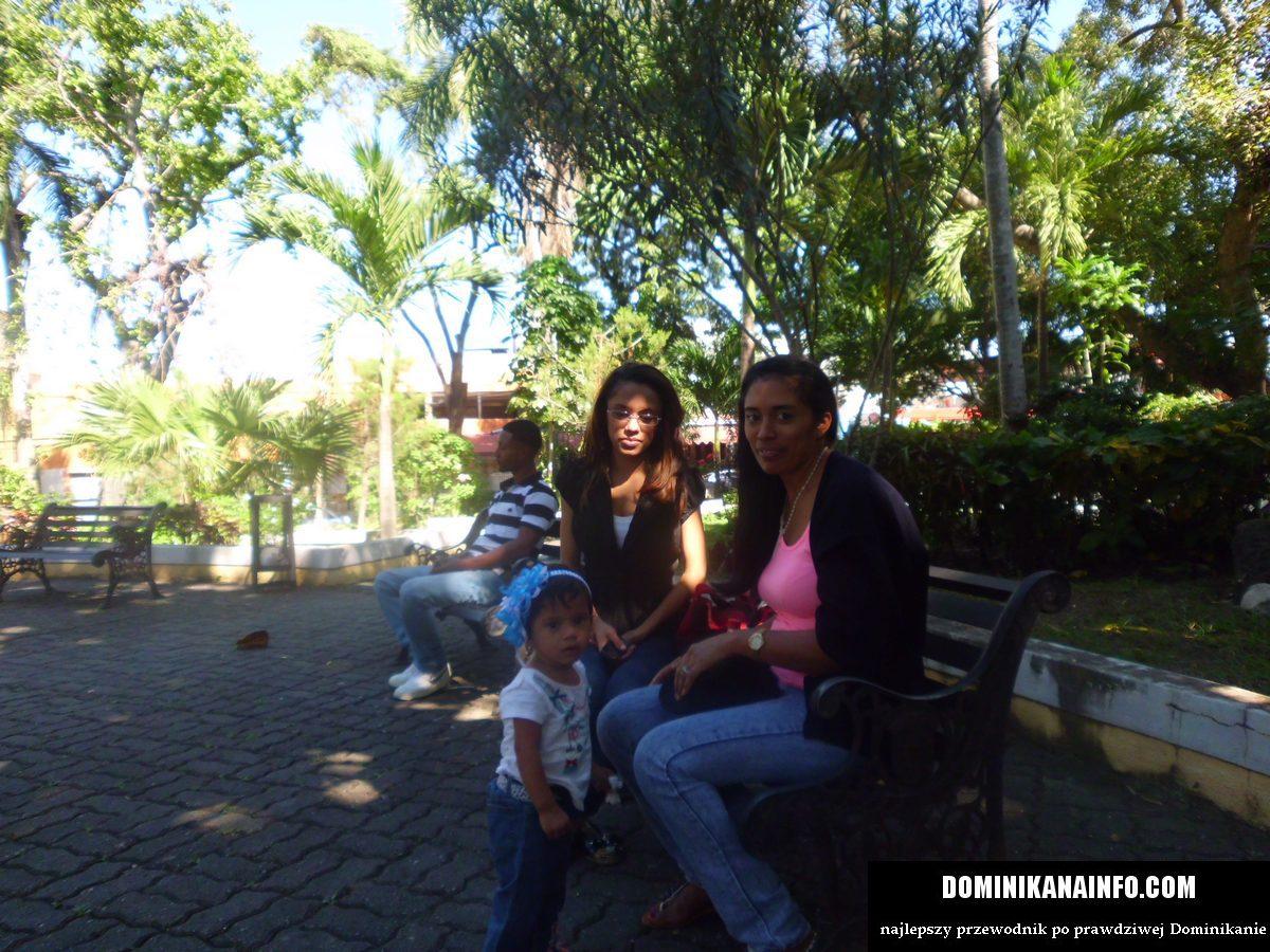 Dominikana matki z dziećmi