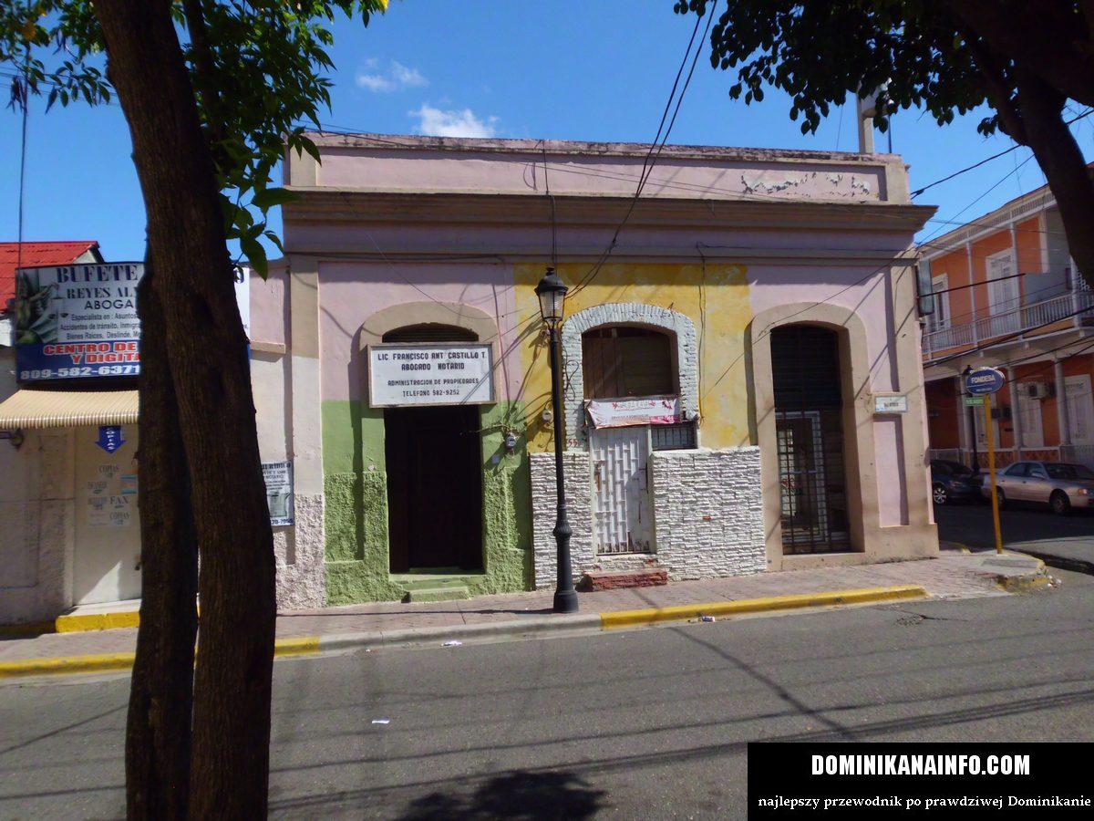 Dominikana uliczka w mieście