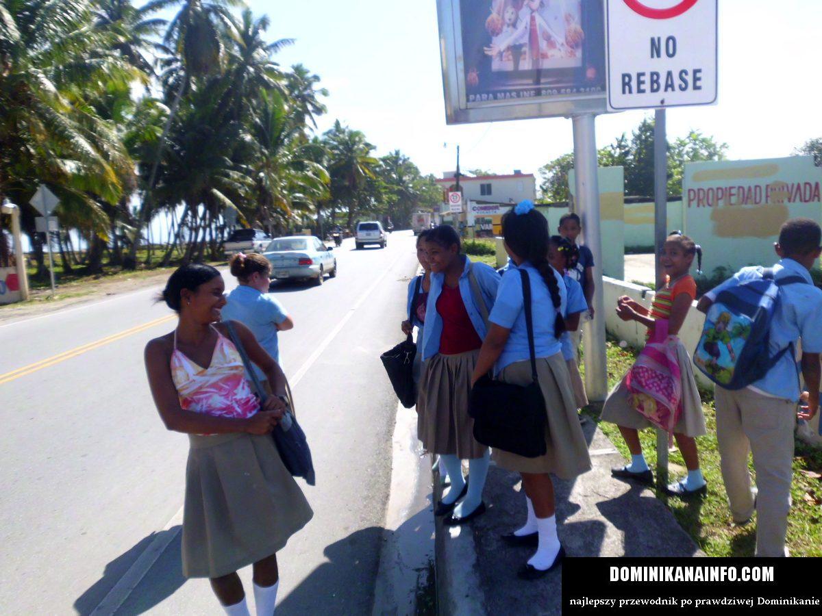 Dominikana uczennice